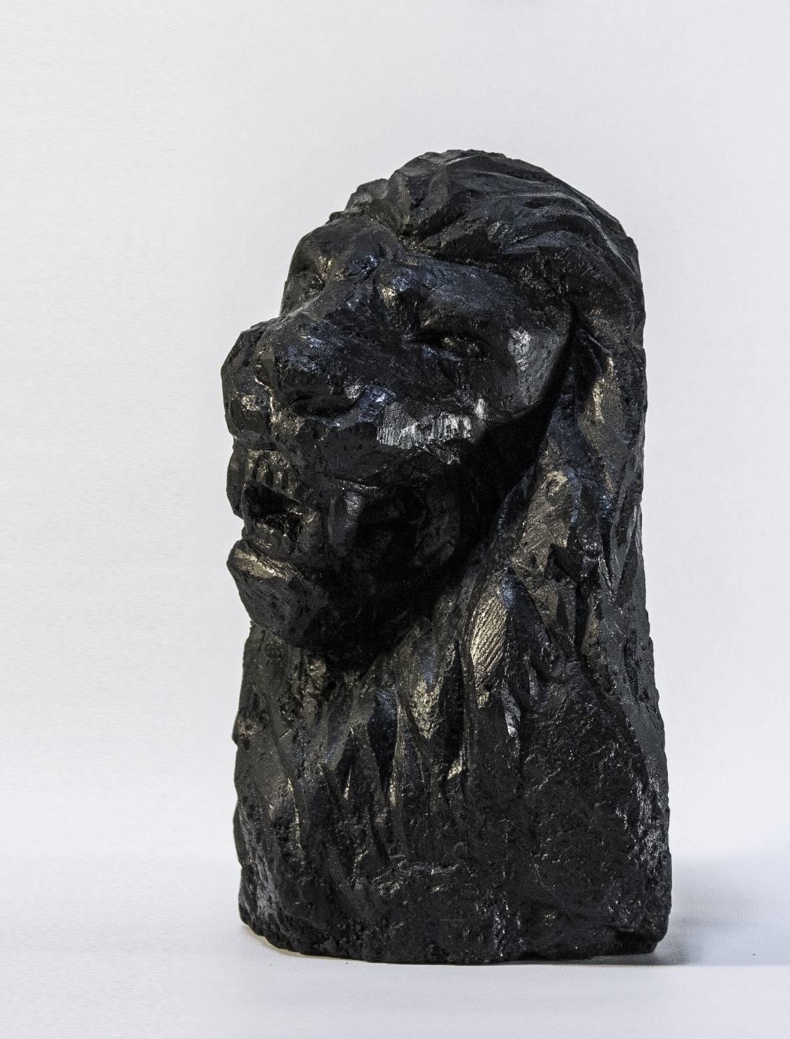скульптура Лев. Материал каменный уголь