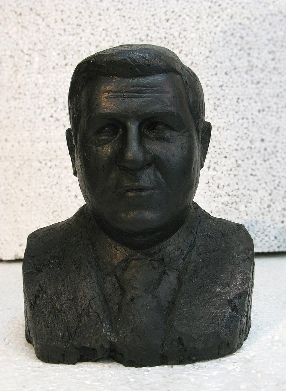 Скульптуры из угля