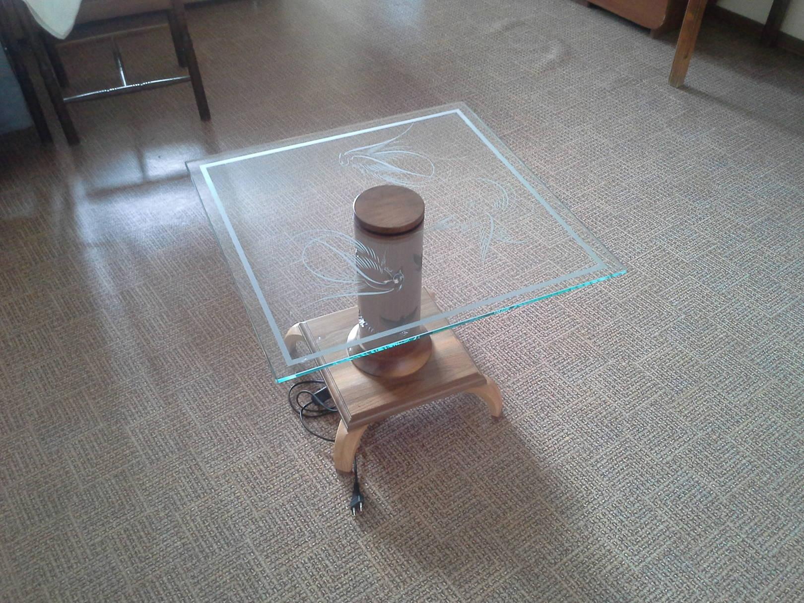 Журнальный столик-ночник