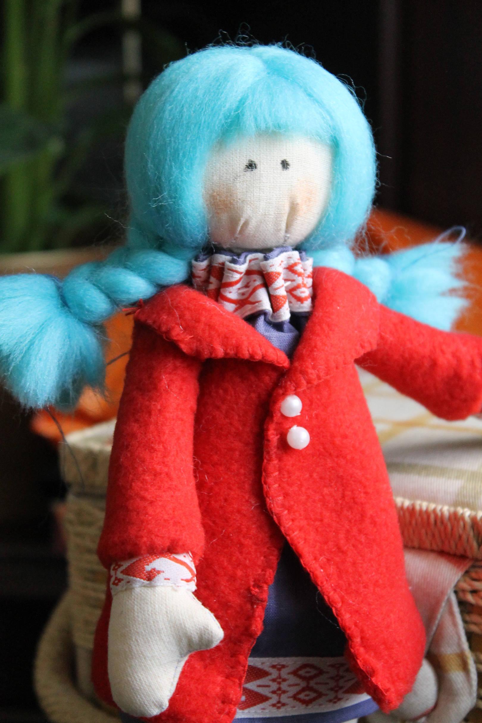 Кукла Мальвинка...