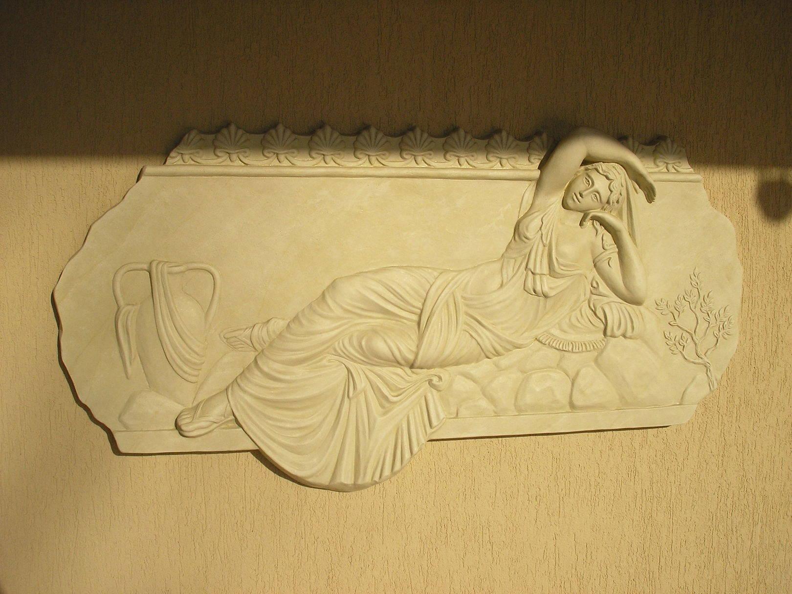 "Рельеф ""Афродита"". Белый цемент. Размер 900х600.  Автор: Крылышкин Владислав."