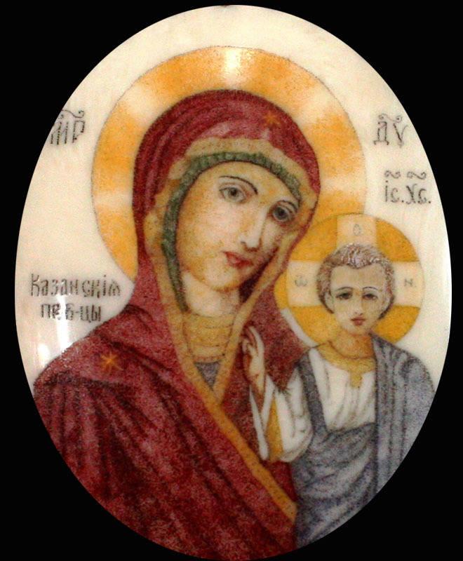 Образ иконы Казанская Пр. Б-цы выполнен в технике скримшоу масляными красками.