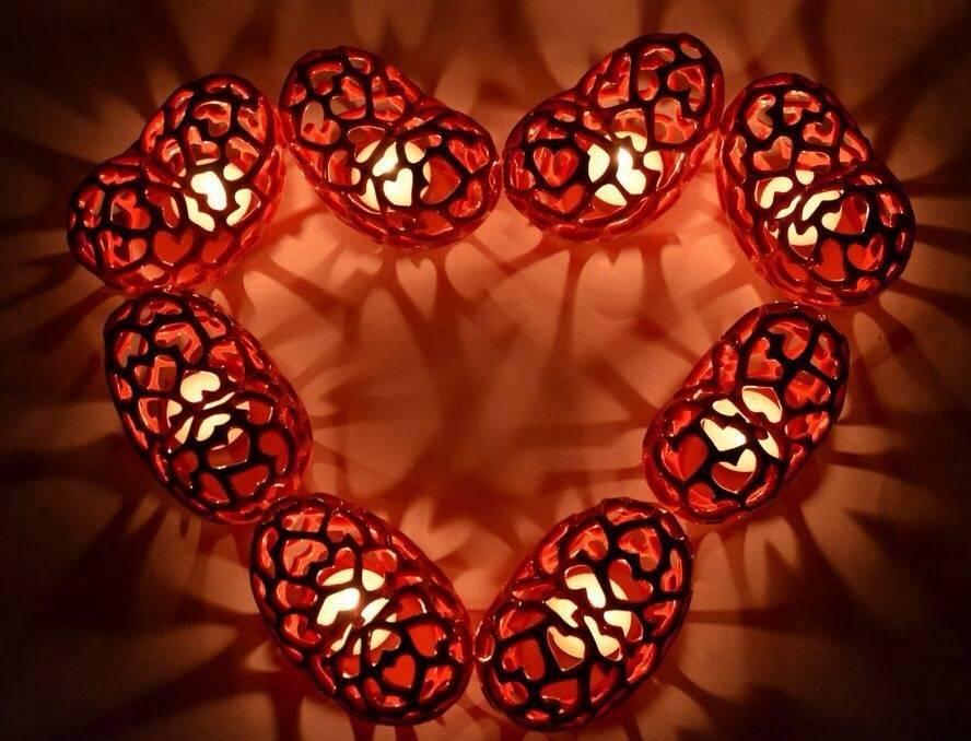 Коллекция из 8 подсвечников-сердец