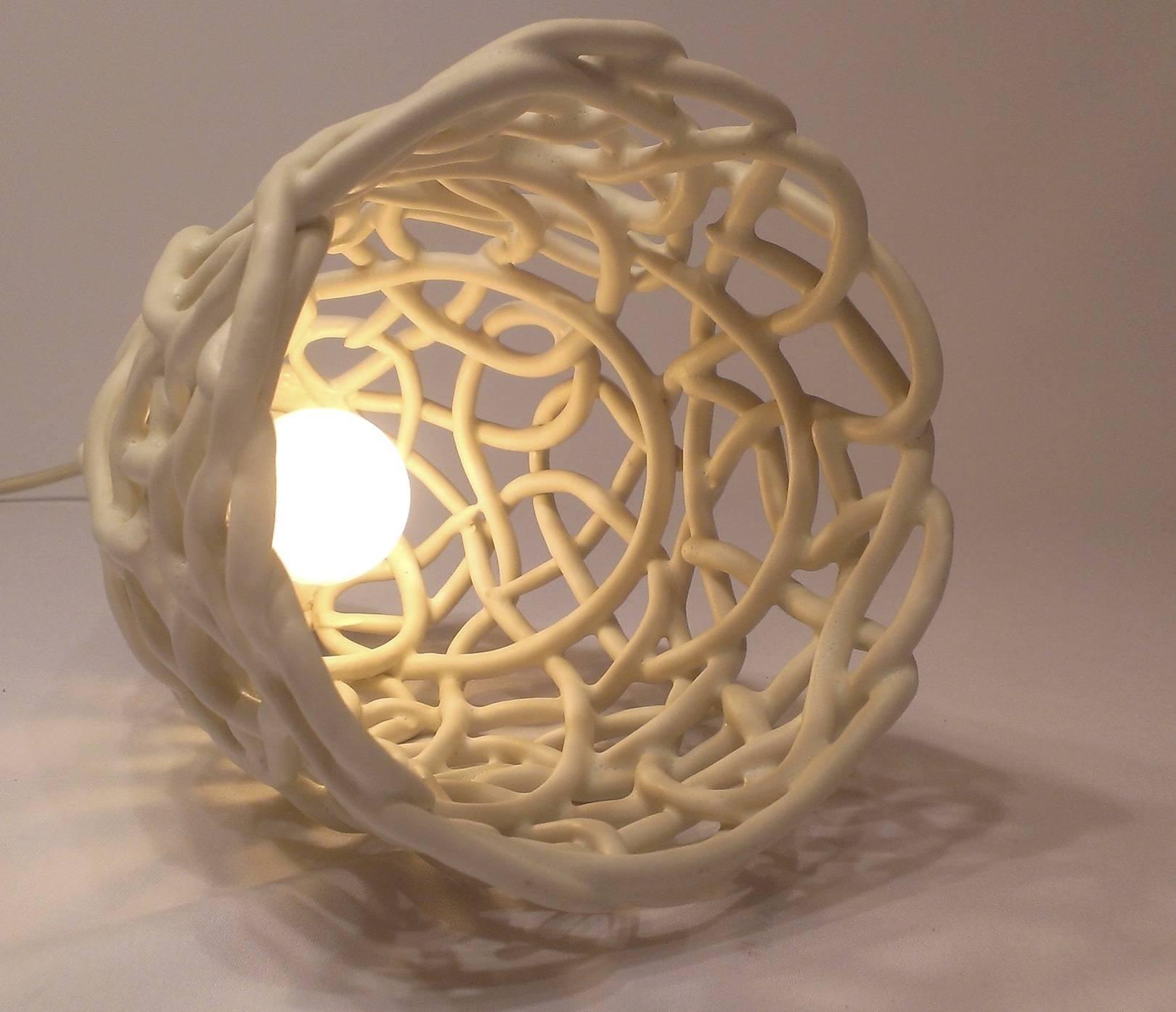 """Потолочный светильник на подвесе в стиле плетеной керамики. """"Пена шампанского"""" Птетение из глины, кремовая матовая глазурь"""