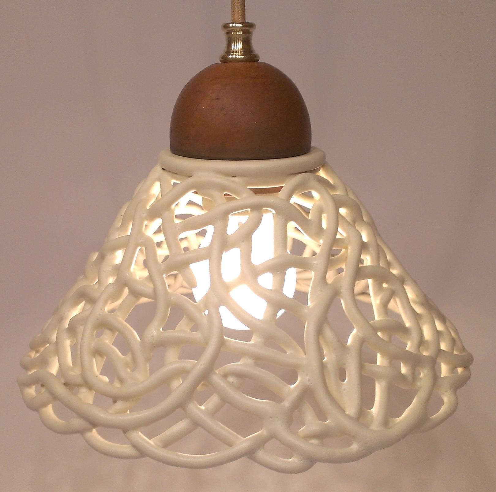 """Потолочный светильник на подвесе в стиле плетеной керамики. """"Мартини Бьянко"""" Плетение из глины, кремовая матовая глазурь"""
