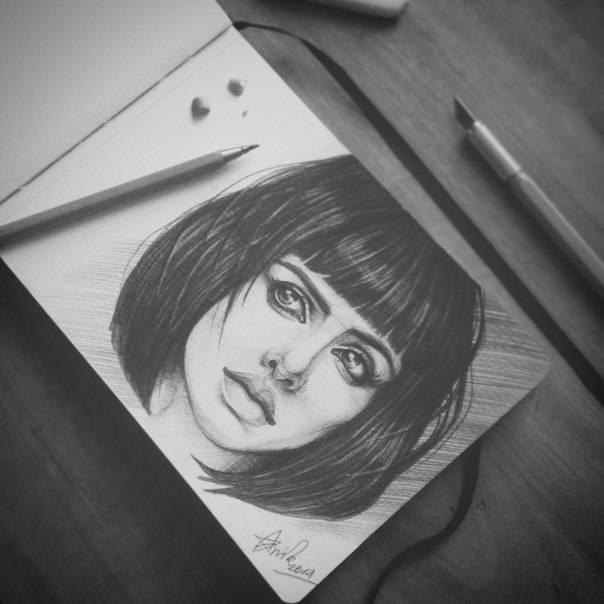 Разворот из моего скетчбука. Портрет актрисы Кристен Риттер.