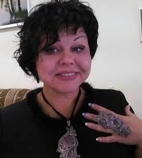 Счастливая обладательница кольца