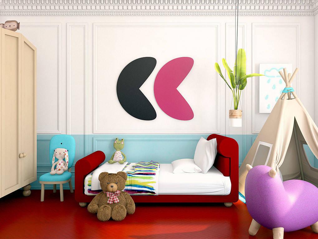 Вся мебель для детской была разработана в нашей студии. Автор ярких картин над кроватью — Антон Ленин, его же кисти принадлежит картина в гостиной.