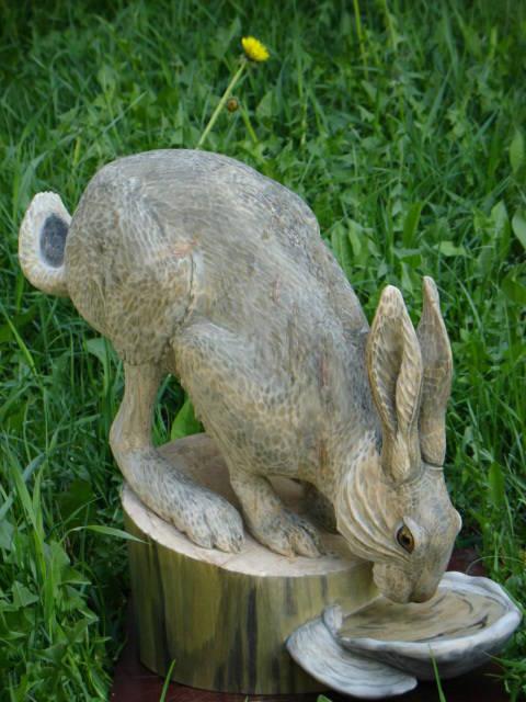 Пьющий зайчик, 50 см.