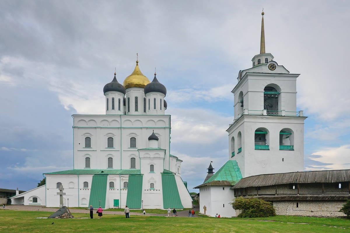 Свято-Троицкий кафедральный собор- символ псковской земли