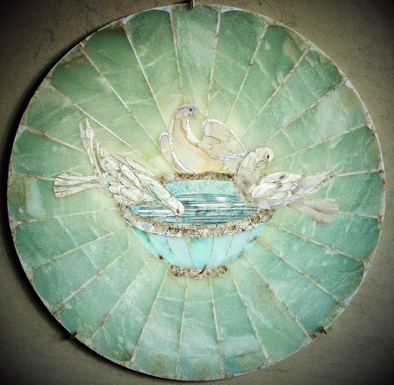 """Голуби Плиния""""Троица"" флорентийская мозаика: нефрит голубой, хризопраз, хризопал, агат, виолан, халцедон сиреневый, беломорит (лунный камень) 53 см."