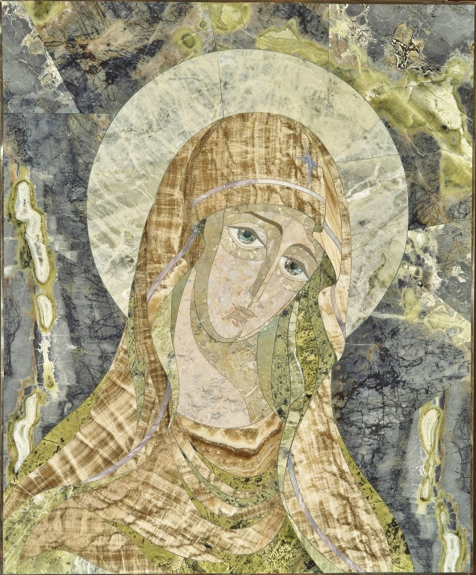 """""""Богоматерь"""" флорентийская мозаика: кальцифир (амурский), оникс, лиственит, бирюза, мрамор, халцедон сиреневый."""