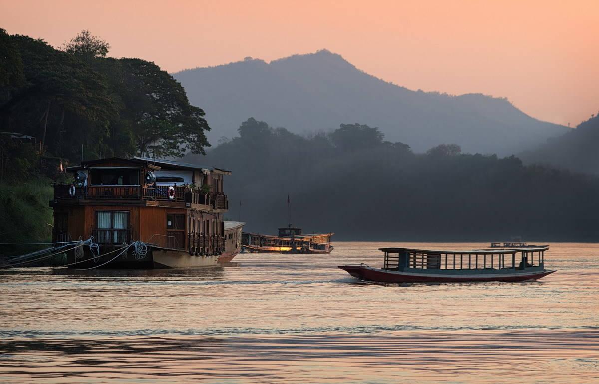 Лаос (Laos)