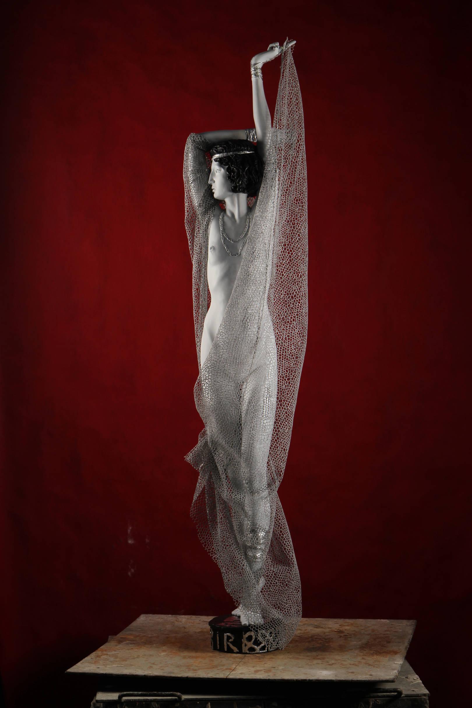 """IDA Rubinstein. The dance of the seven veils. RUBINSTEIN, IDA LVOVNA (1883-1960) was a Russian dancer and actress, her debut in a production of the drama of Oscar Wilde's """"Salome"""" was performed by the Dance of the seven veils: relieving themselves one after another the seven veils, shimmering silver threads, she remained in the final almost completely naked.   Ида Рубинштейн. Танец семи покрывал. РУБИНШТЕЙН ИДА ЛЬВОВНА (1883-1960) — российская танцовщица и актриса, ее дебют в постановке по драме Оскара Уайльда «Саломея» состоял в исполнении Танца семи покрывал: сбрасывая с себя одно за другим семь покрывал, переливающихся серебряными нитями, она оставалась в финале почти полностью обнаженной. Замершая в выразительной фигуре танца Ида Рубинштейн изображена, очевидно, в финальной части своего выступления, когда из семи укутывающих ее покрывал, осталось последнее, почти не скрывающее обнаженного тела актрисы."""