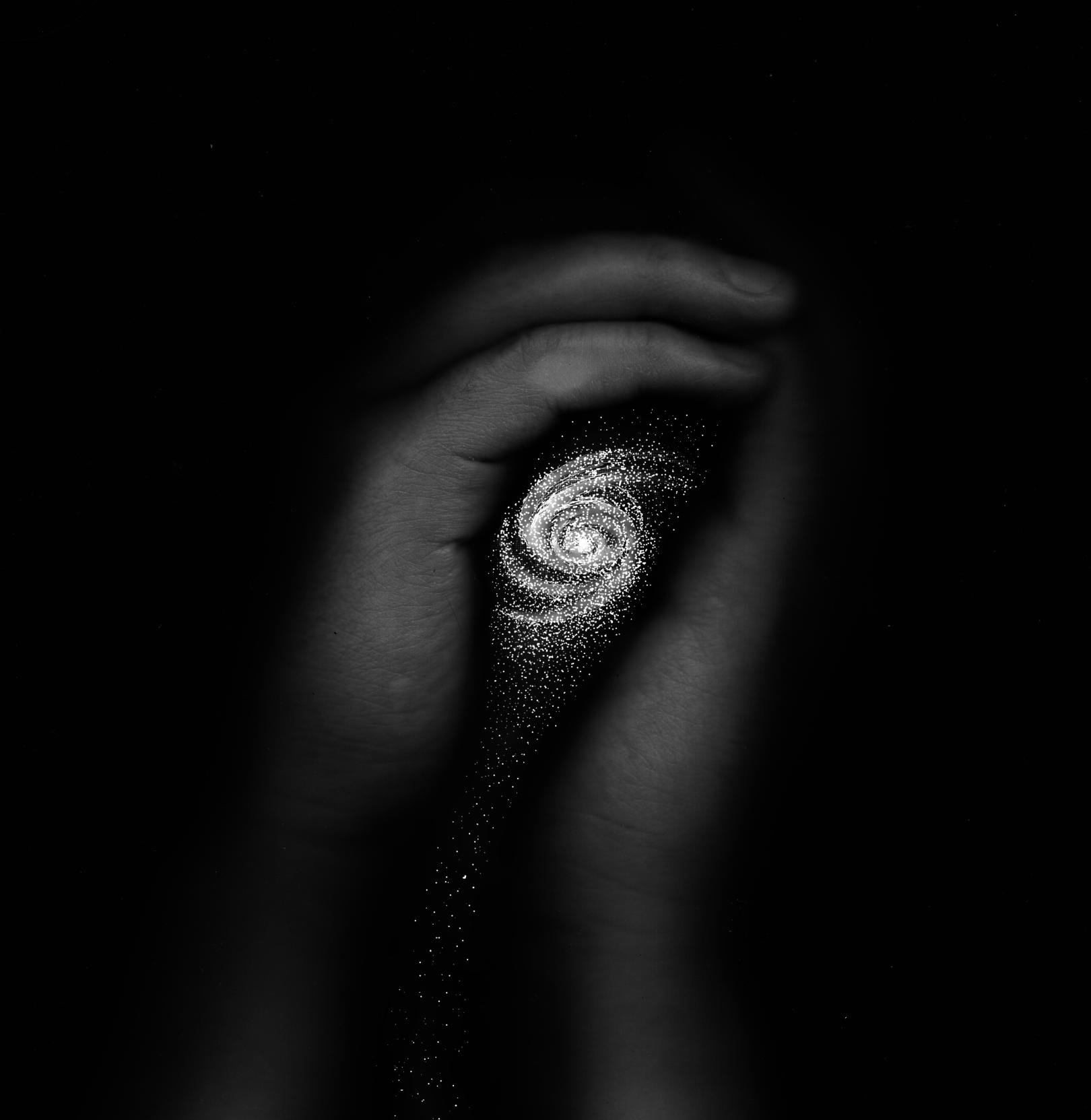 Дом - фотография моих рук и галактика, созданная уже в граф редакторе SAI.