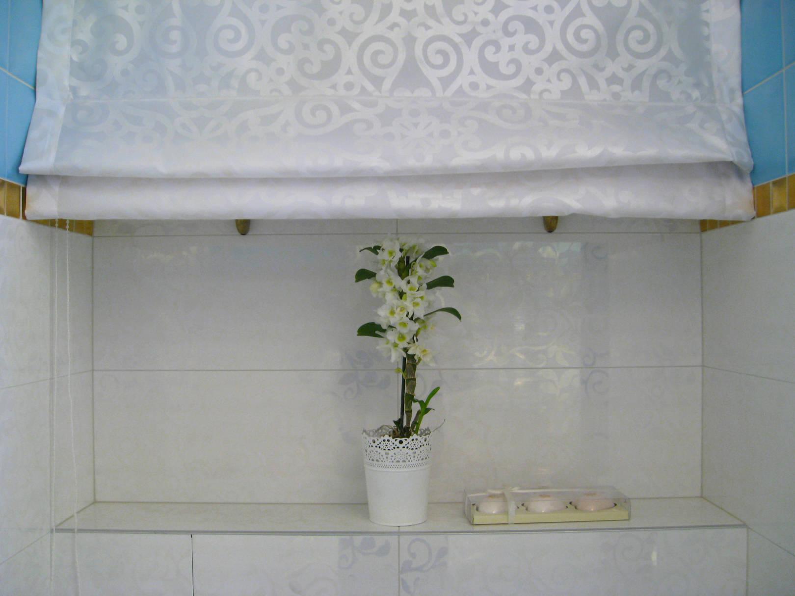 Ниша с полками в ванной