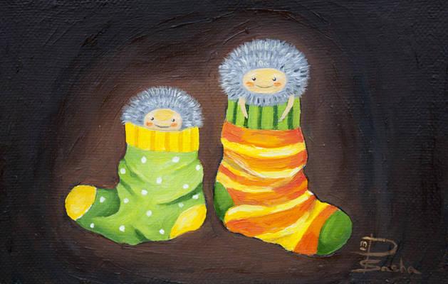 """""""Бабайки из носочков"""" / 2013 / холст, масло/ 15х10 см Родители!  Не злитесь и не ругайтесь, года пытаетесь поймать своих детей, чтобы одеть на них носочки. Просто вы забыли, что в детских носочках живут маленькие, пушистые Бабайки которые щекочут деткам ножки."""