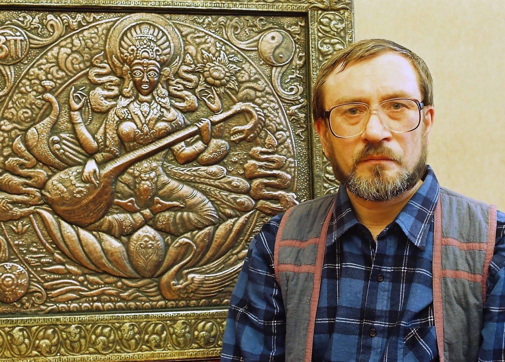 Сарасвати  (индийская богиня)  1997 (панно)                                                                                                               Медь, латунь, чернение. 81 х 88 (фрагмент)