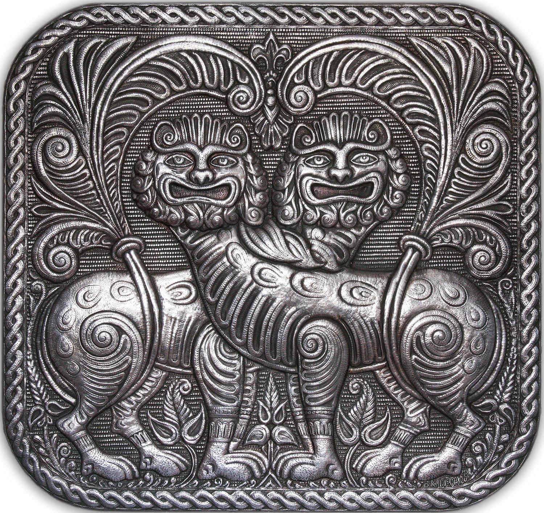 """Львы (панно из серии """"Владимиро - Суздальские древности) 2006 г. Алюминий; чернение 58 х 61 см"""