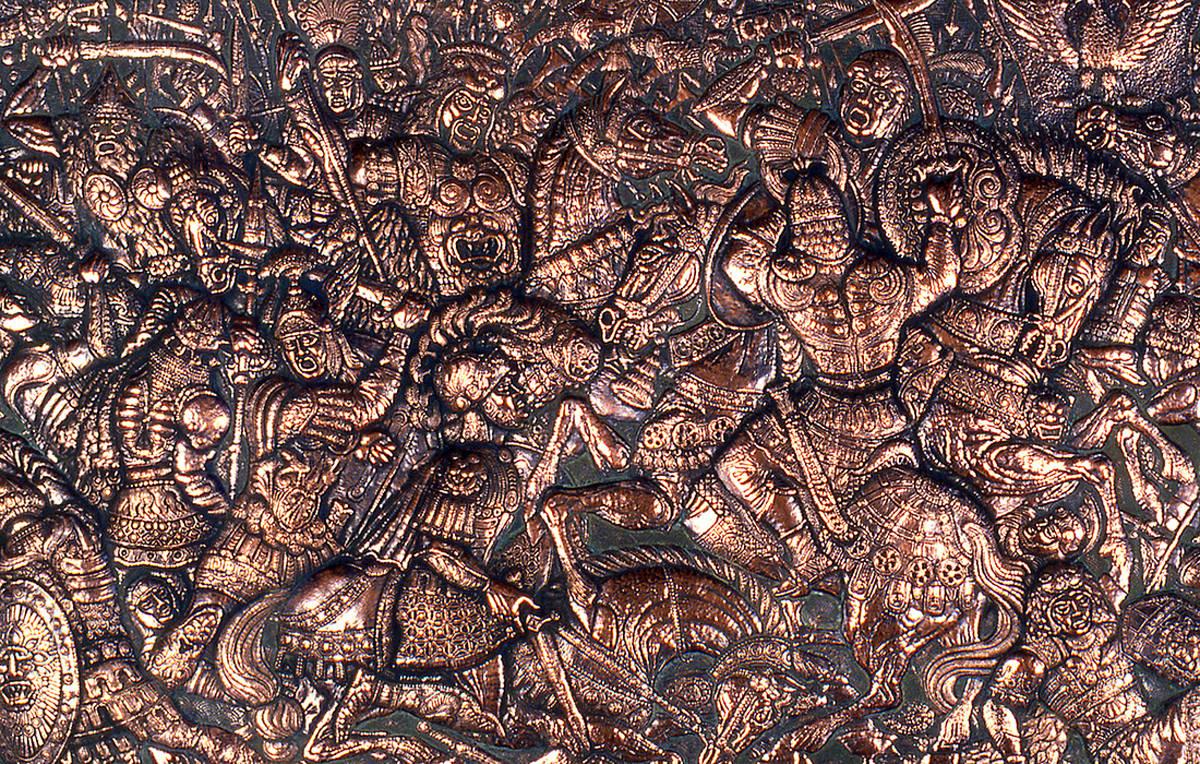 Битва на Каталаунских полях (фрагмент панно) 1992 г. Медь; чернение 96 х 176 см