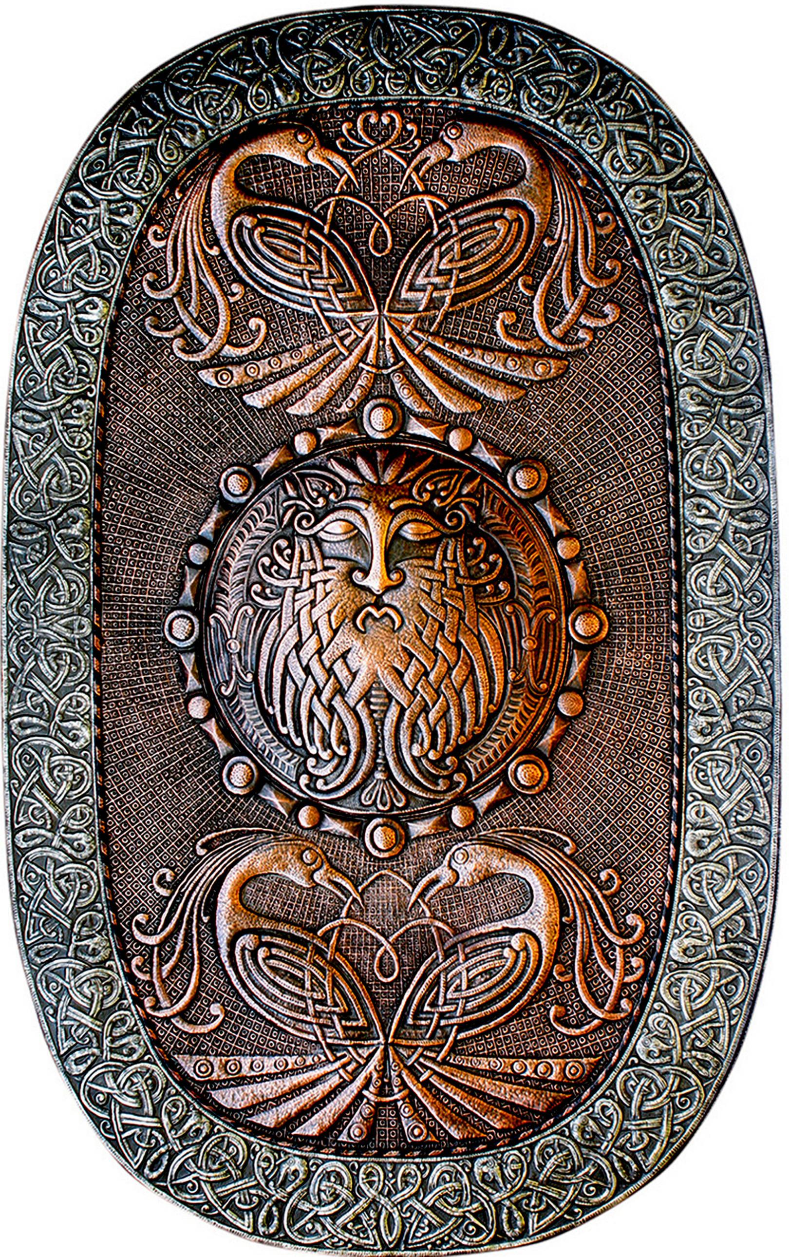 Кельтский щит (панно) 2015 г.                                                                                                                                 Медь, алюминий; чернение                                                                                           110х70 см