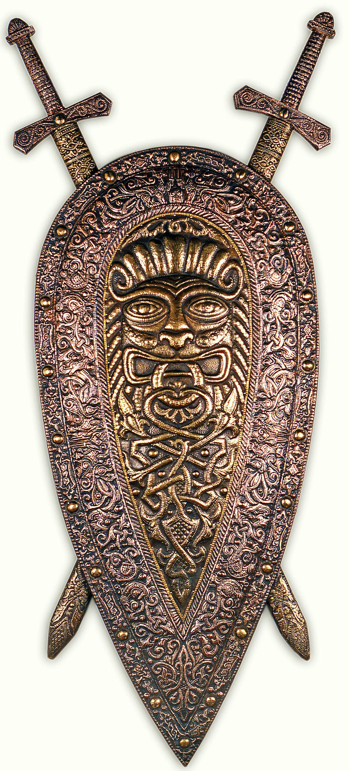 Богатырский (миндалевидный щит с мечами) 1991 г. Медь, латунь; чернение 160 х 70 см (с мечами 185 х 90 см)