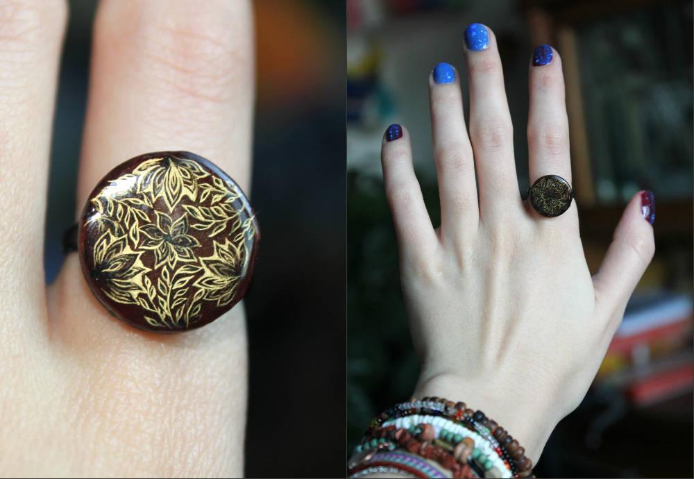 Перстень с орнаментальным узором (лаковая основа)