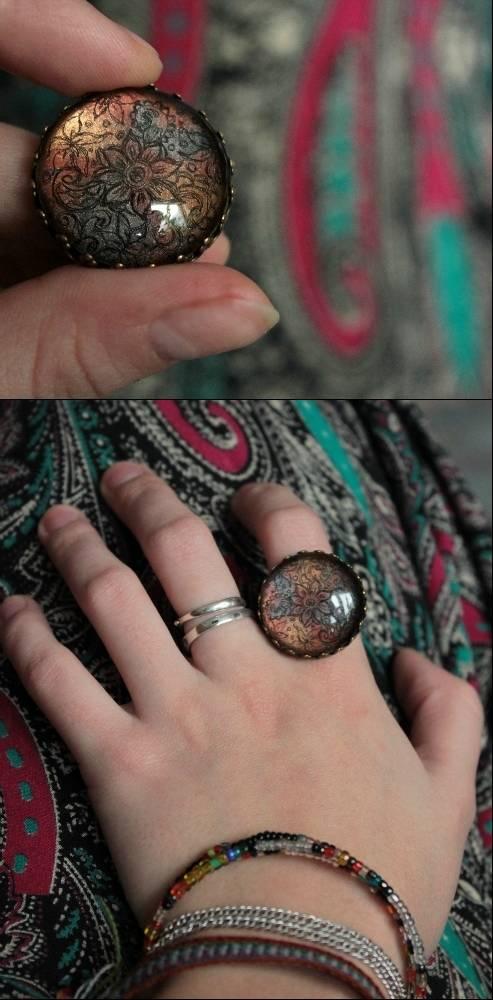 Перстень с орнаментальным узором (стекло)