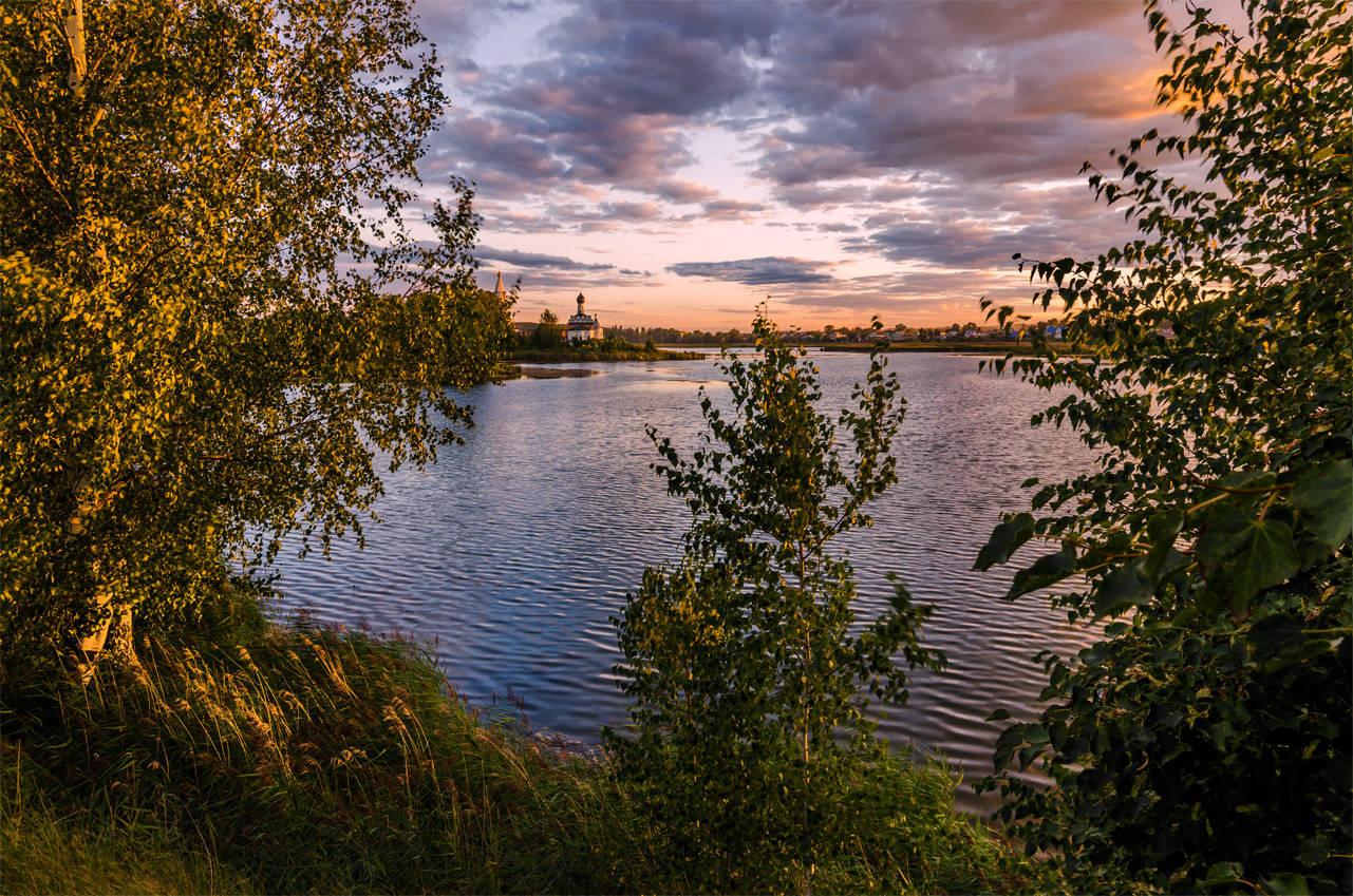Ворсма. Свято-Троицкий Островоезерский монастырь.