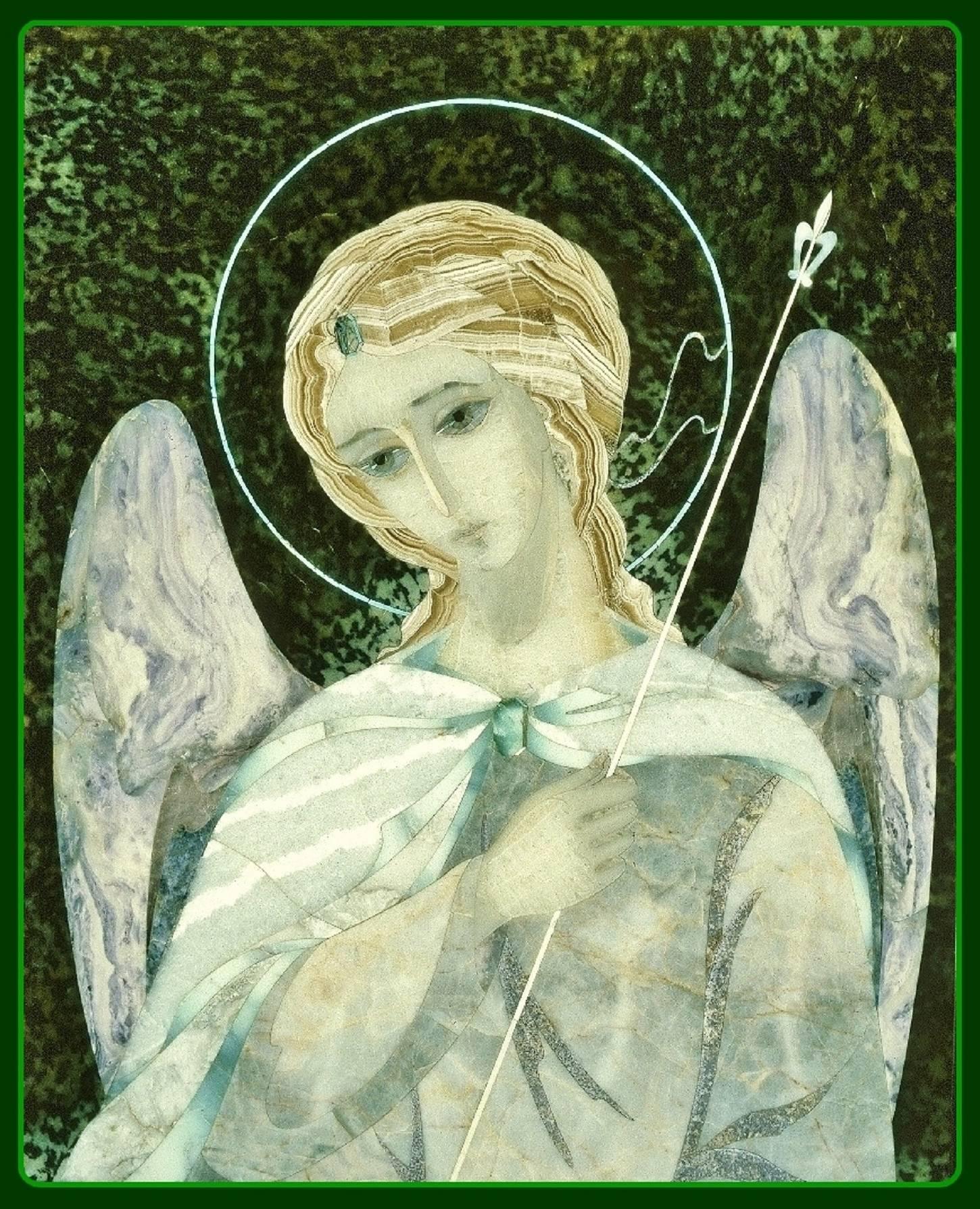"""Ангел"" : серпентинит, халцедон сиреневый, хризопраз. мрамор, оникс, бирюза."