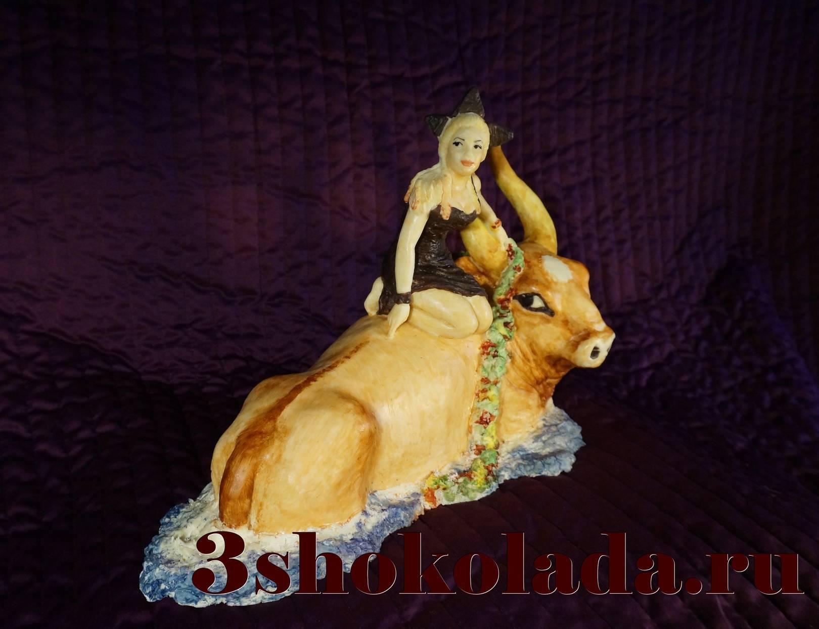 Скульптурная авторская копия знаменитой картины Серова с портретом одной девушки, 5 кг белого шоколада, высота около 35см