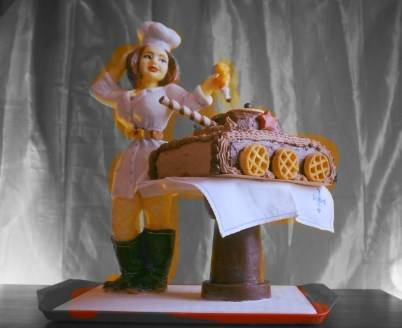 """Подарок на День Защитники Отечества, """"Повариха"""" и настоящий вкуснейший фигурный торт"""