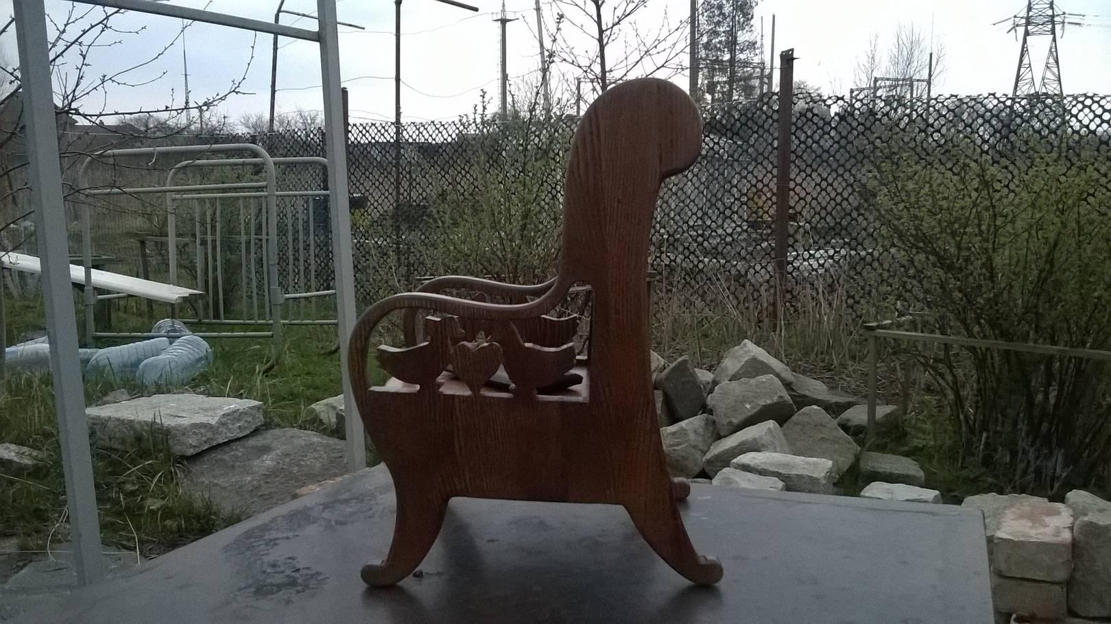 журнальный стол, детское кресло